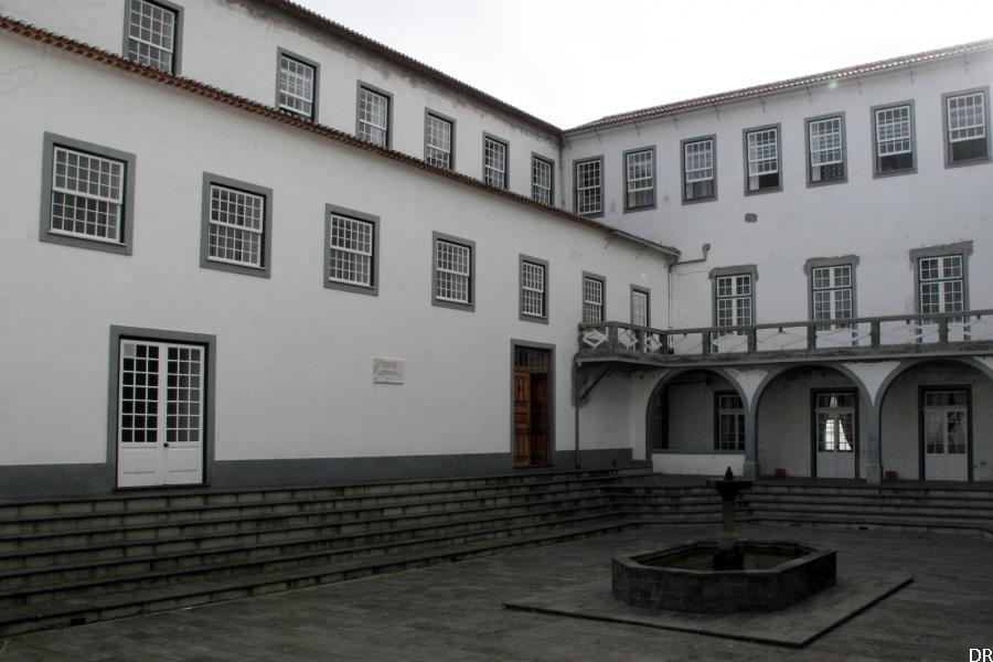 seminario_episcopal_de_angra_interior-900-600
