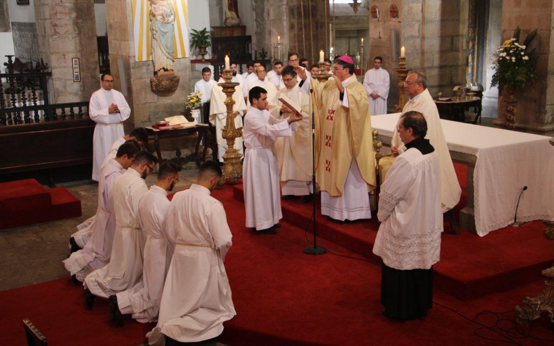 Seminaristas instituídos no ministério do acolitado